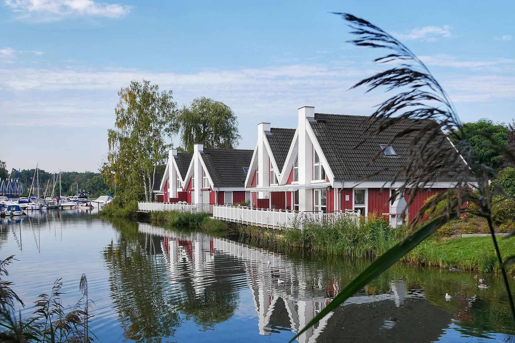 Ferienhaus Pirat mit Wasserterrasse inkl. Nebenkosten in Wendisch Rietz