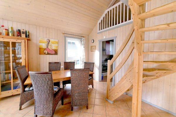 gemütliche Sitzecke für die ganze Familie im Ferienhaus Seeperle / Seerose am Scharmützelsee in Wendisch Rietz