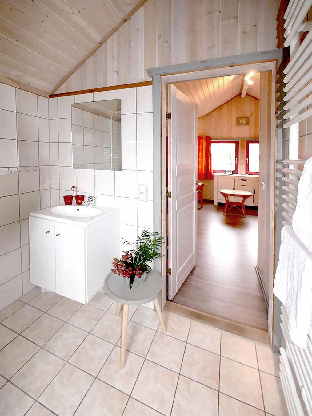 zweites Badezimmer im Ferienhaus Seeperle / Seerose im Ferienpark Scharmützelsee in Brandenburg