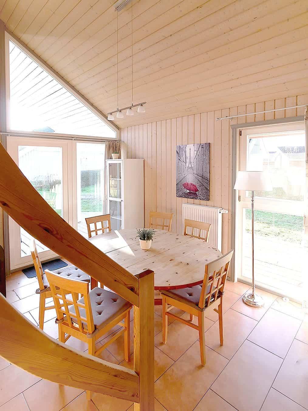offener Essbereich im Ferienhaus Seerose / Seeperle im Ferienpark Scharmützelsee